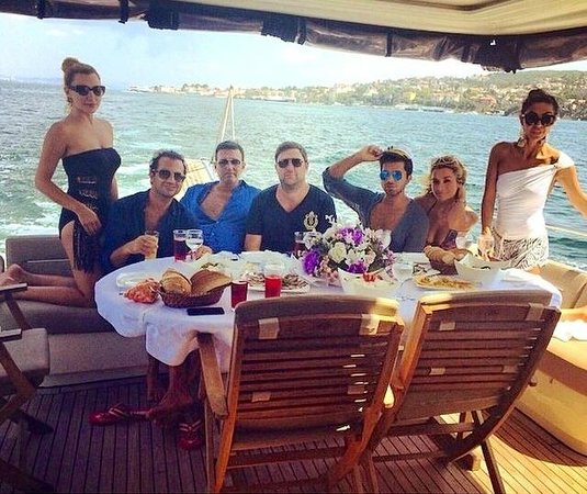 Wedding Yacht Rentals: La Paz Yacht Charters & Boats For Parties, Anniversaries