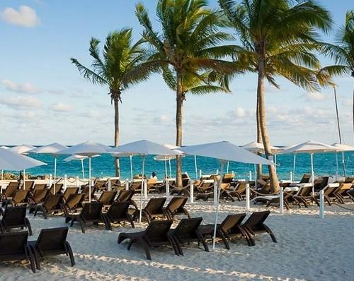 Bahamas_Freeport_Memories_Grand_Bahama_Beach__Casino_Resort_Beach_1_f113cf59e5c7858c9384fb1e8c6de8d9_600x398