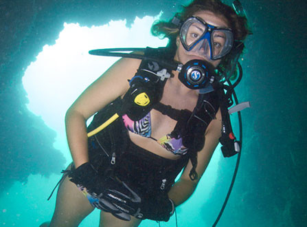 scubadiving-in-the-bahamas-small-447x330