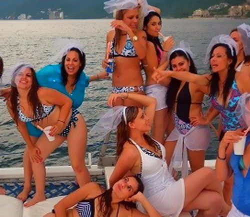 Bachelorette-party-Seattle-yacht-charters-daily3
