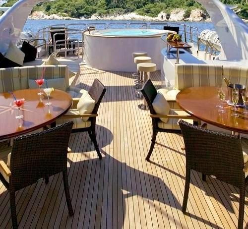 120-Benetti-Sun-deck