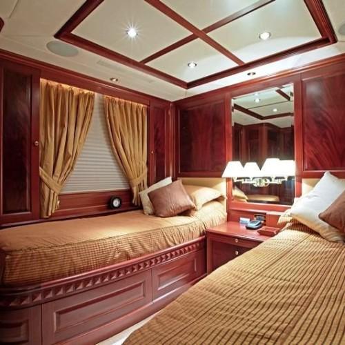 120-Benetti-Twin-Cabin