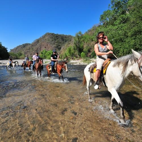 Horseback_riding_Puerto_Vallarta_53dabbe65ee91