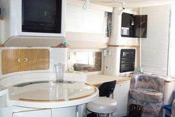 searay44_cabin